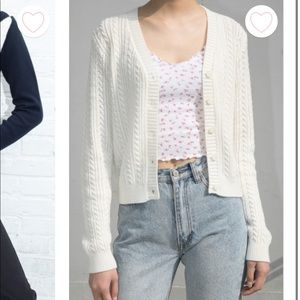 BRANDY MELVILLE WHITE ELIZABETH SWEATER
